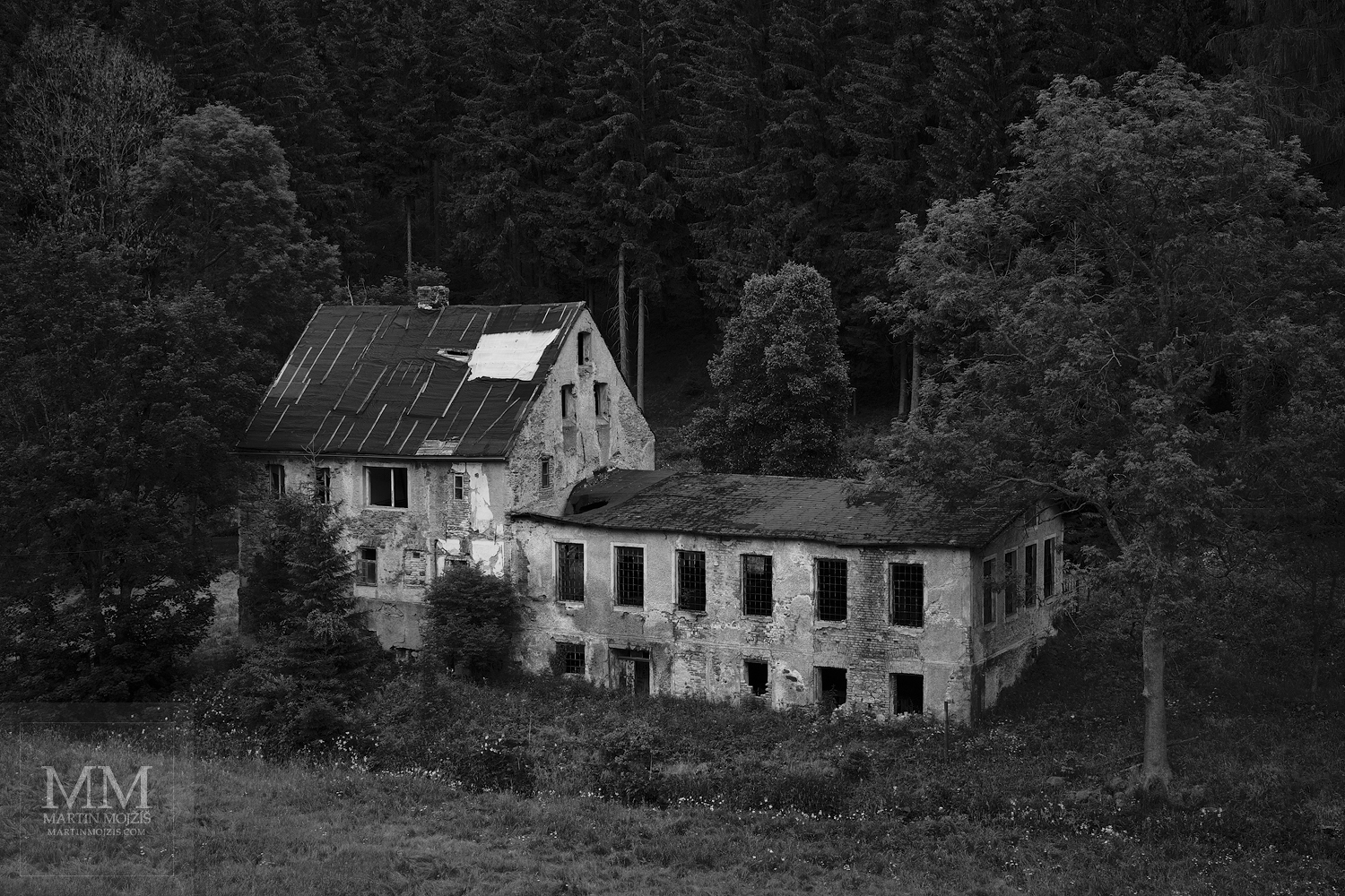 Fine Art black and white large format photograph of the old house in a valley. Martin Mojzis.